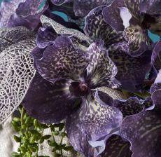 2_13-Lou-de-Castellane-Artificielles-Artificial-Artificiale-Fleurs-Flowers-Fiore-Flor-VANDA-BLEU-Zoom