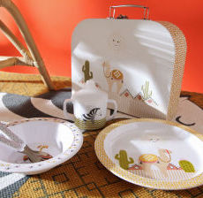 Amadeus-Decoration-Assiette-Valisette-small-suitcase-maletin-nino-valigetta-regazzo-verre-enfant-Plate-glass-children-Plato-Ninos-Piatto-Bambini